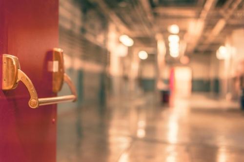 בתי חולים ומבני ציבור