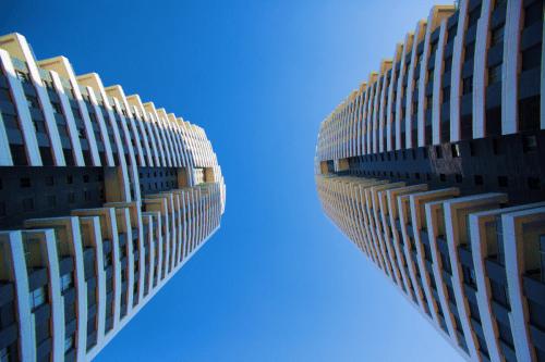 מגורים ובניה בגובה